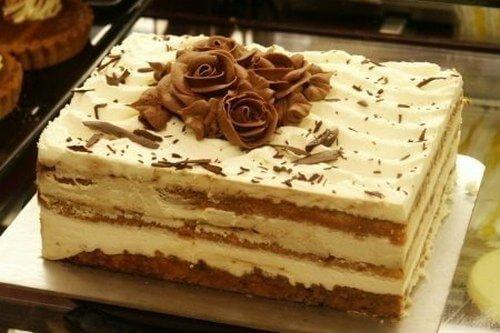 Торт «Тирамису» из готовых бисквитных коржей