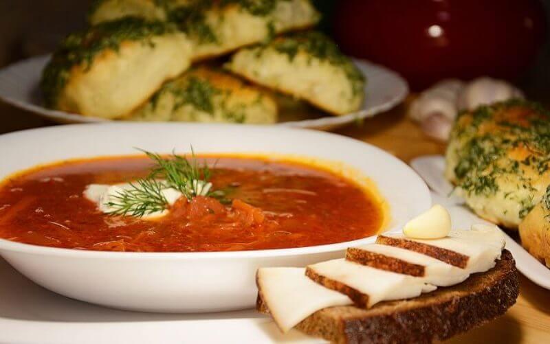 Украинский красный борщ на ребрах: пошаговый рецепт