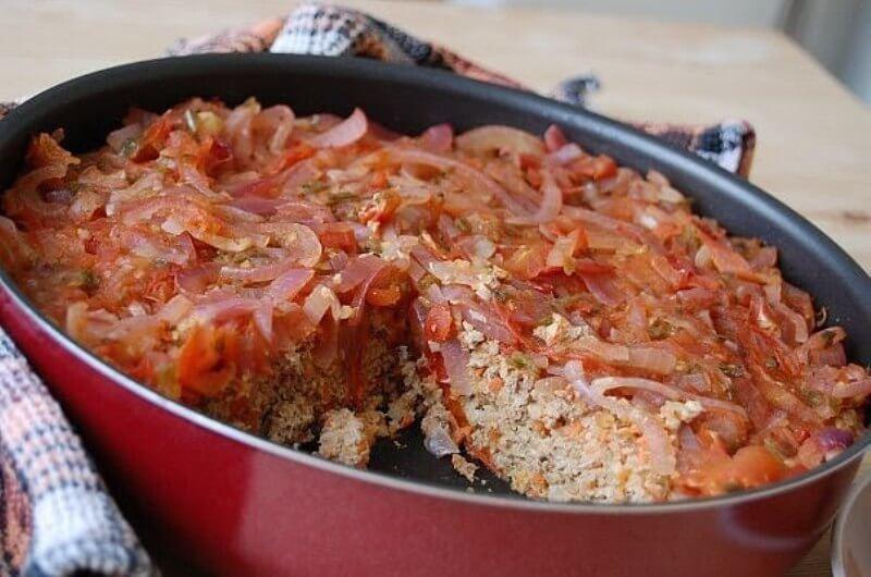 Вкусная рыбная запеканка в томатной подливе