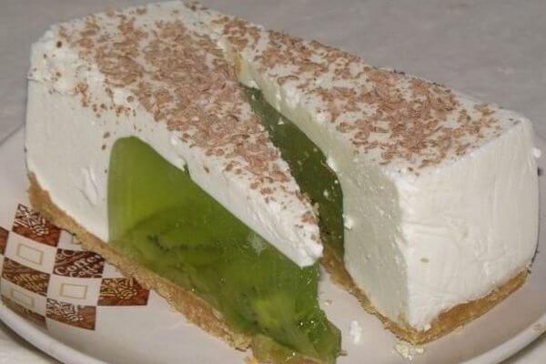 Желейно-сметанный торт с киви