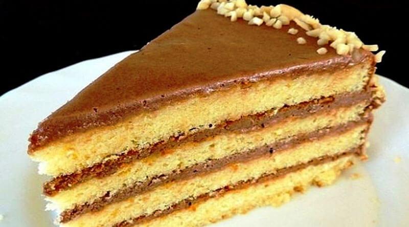 Бисквитный торт со сгущёнкой