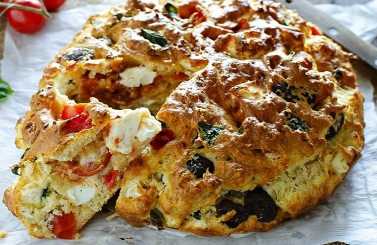 Быстрый рецепт вкусного заливного пирога на кефире