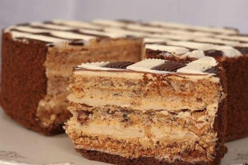Рецепт быстрого торта из сгущенки