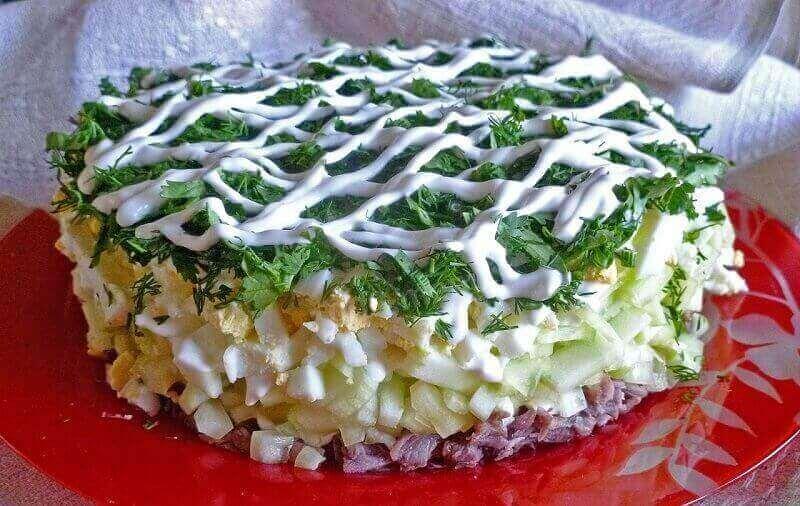 Сытный салат «Мужской Каприз» с говядиной