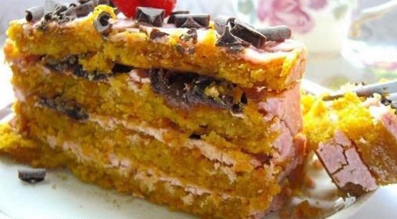 Диетический мини-тортик с морковью, творогом и яблоками