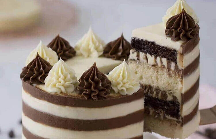 Ванильно-шоколадный торт «Белое и чёрное»
