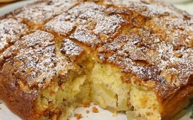 Яблочный пирог с сочной начинкой и хрустящей корочкой