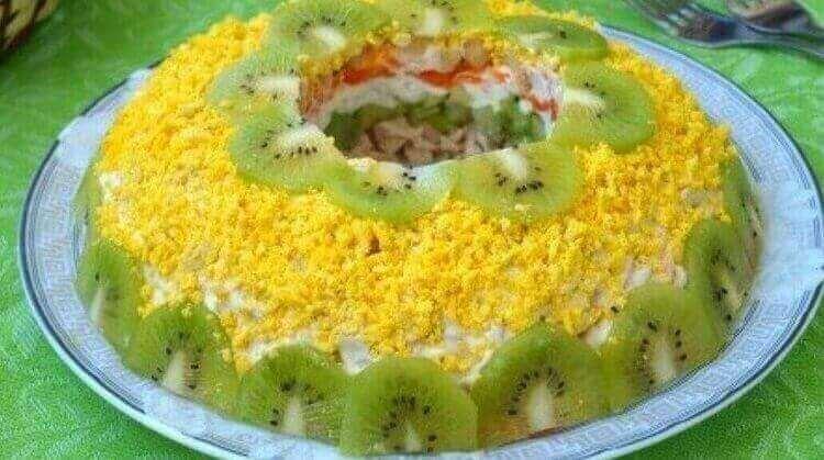 Как приготовить салат «Малахитовый браслет» по-разному
