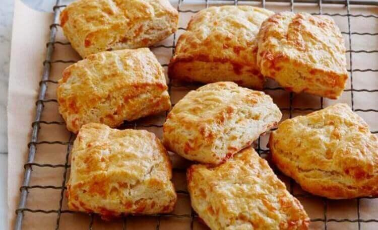 Как приготовить сырные сконы на простокваше