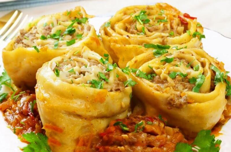 Как приготовить сытные и аппетитные штрудли с мясом
