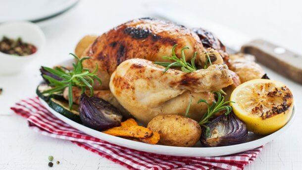 Как вкусно запечь цыпленка в духовке. Два рецепта к ужину