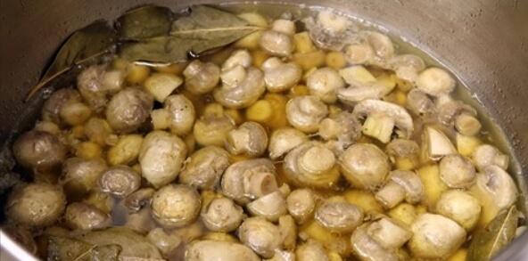 Как замариновать грибы