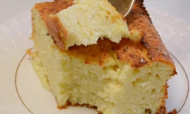 Классический рецепт нежной творожно-бисквитной запеканки