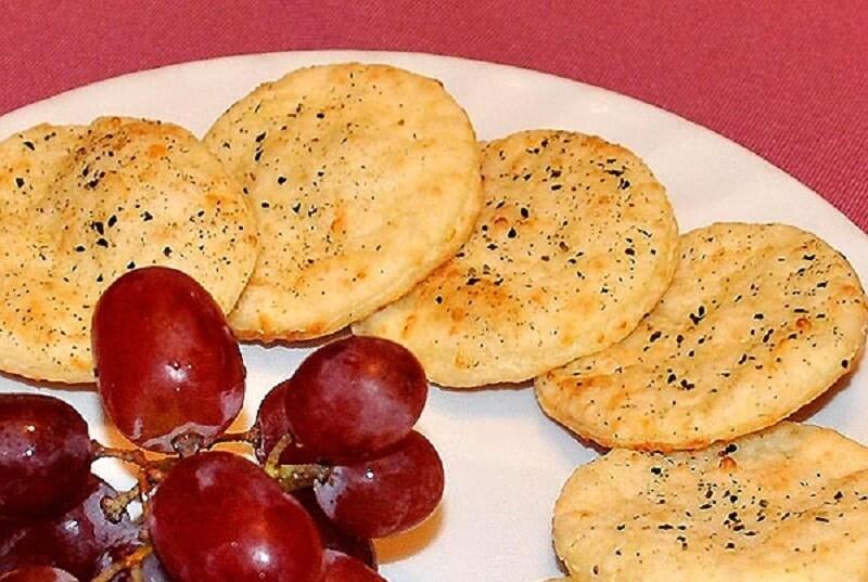 Крекеры сырные