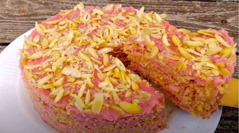 Летний, лёгкий тортик с клубничным кремом, без духовки