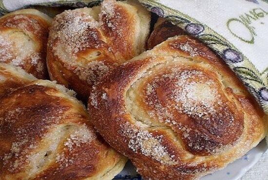 Лучший рецепт пышных сахарных булочек