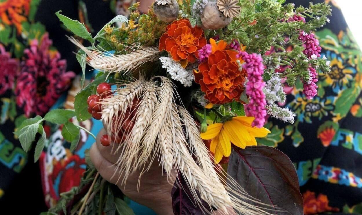 Медовый Спас 2021: что за праздник, традиции и приметы, что нельзя делать 14 августа!