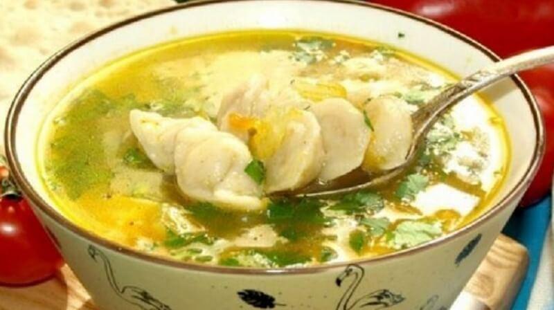 Необычайно вкусный суп с маленькими пельмешками