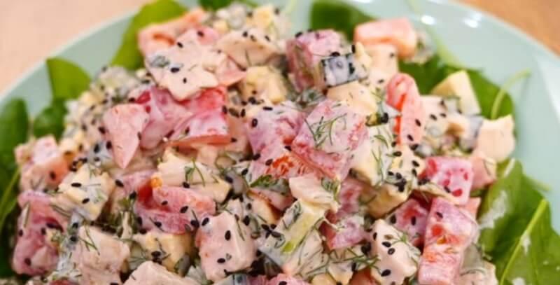Нежнейший салат из болгарского перца и куриного филе
