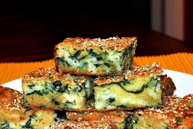 Очень лёгкий рецепт пирога с брынзой и шпинатом