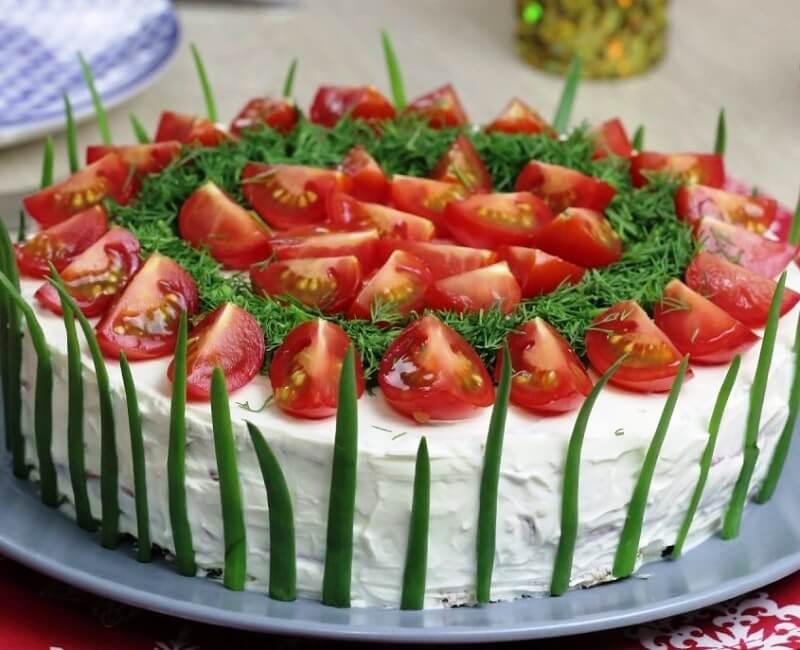 Оригинальная закуска с мягким сыром и помидорами