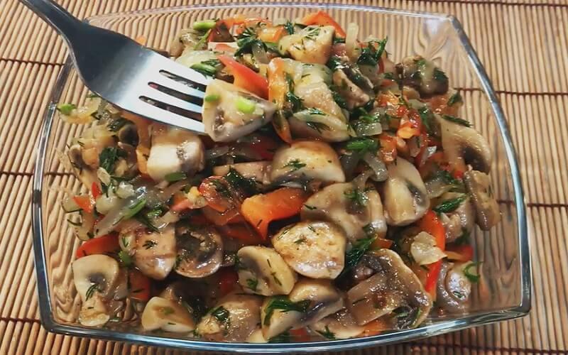 Острый салат по-корейски из шампиньонов