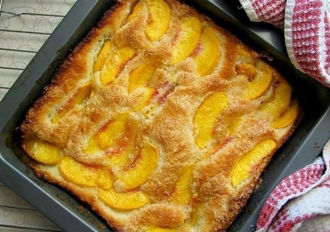 Пирог на кефире с фруктами: пошаговый рецепт