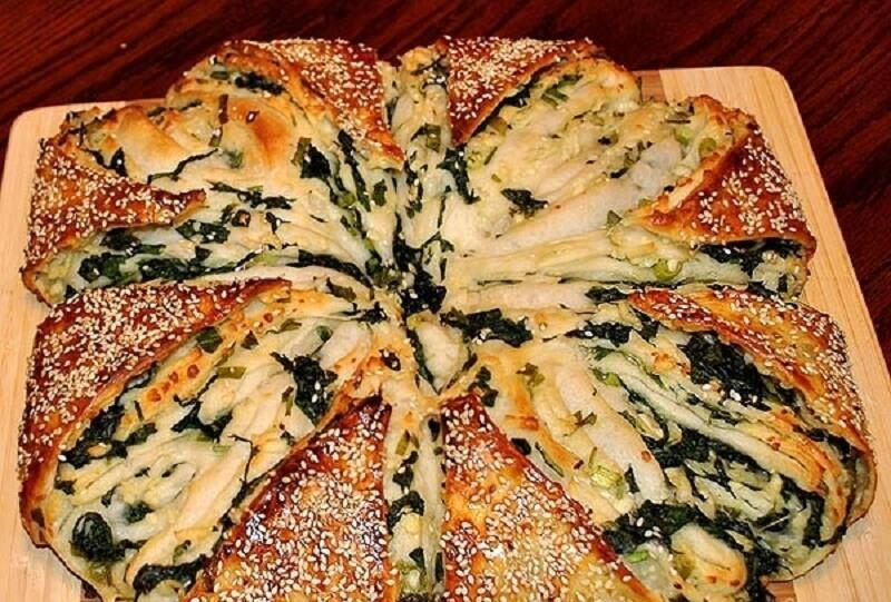 Пирог со шпинатом и брынзой