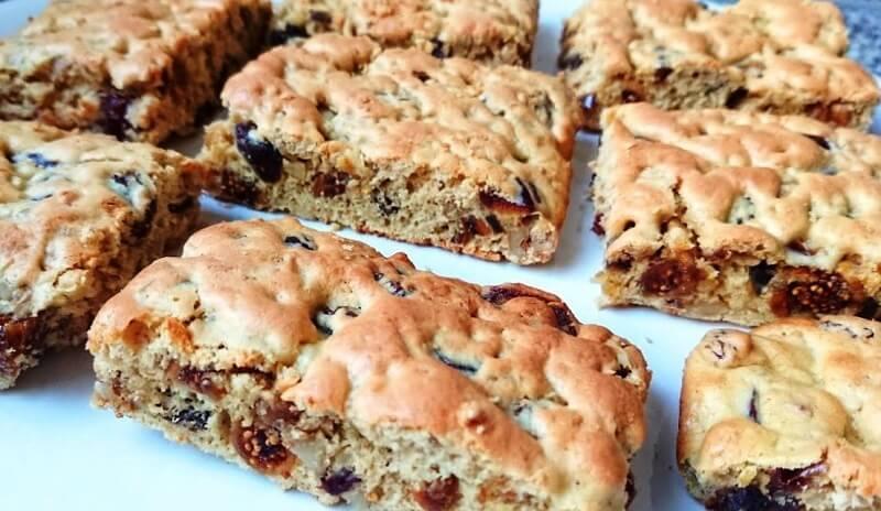 Потрясающе вкусное печенье с сухофруктами