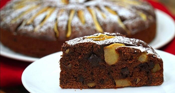 Потрясающий шоколадный пирог с грушами