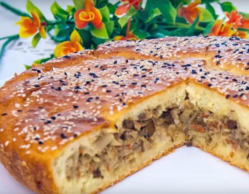 Превосходный заливной пирог с капустой и печенью
