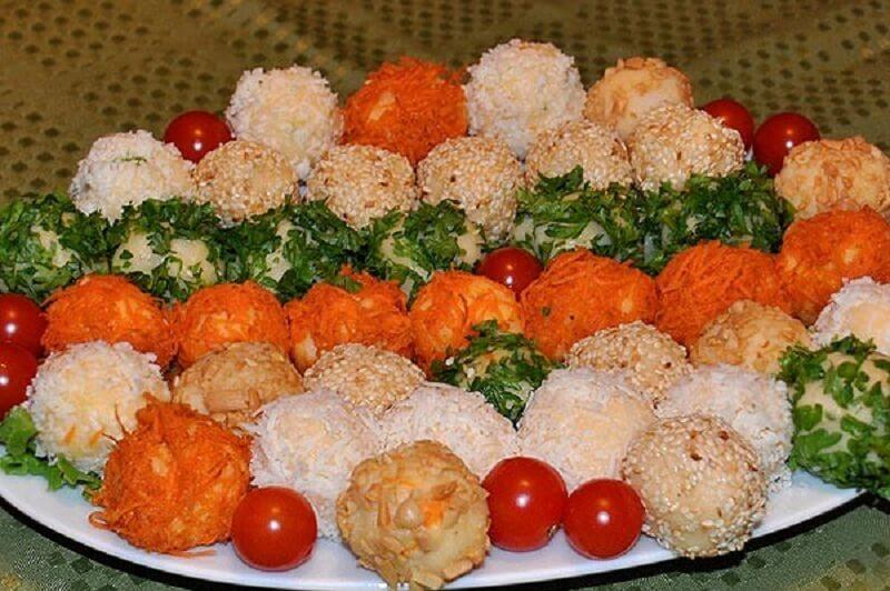 Разноцветные картофельные шарики