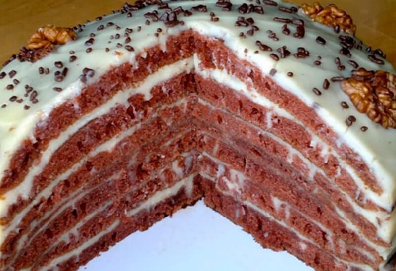Слоёный вкусный торт на сковороде
