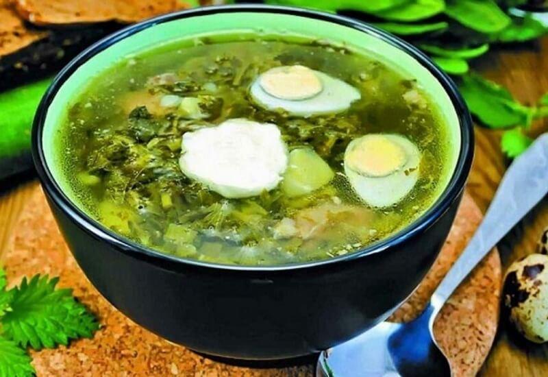 Рецепт зелёного борща с щавелем и крапивой