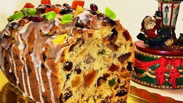 Рождественский кекс с изюмом и сухофруктами