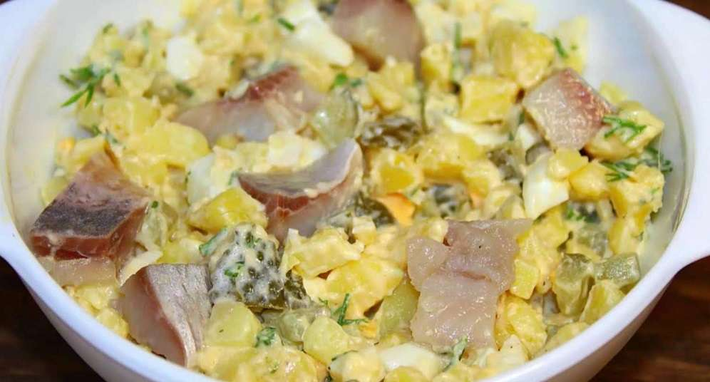 Салат «Ламара» с солеными огурцами