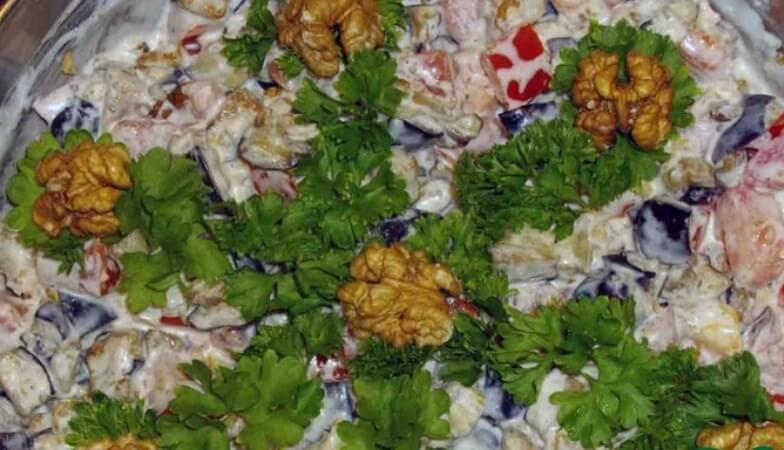 Салат «Лора» с баклажанами