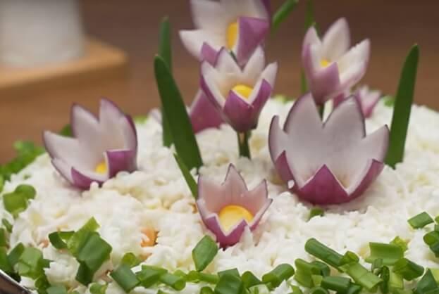 Салат «Поляна с цветами»