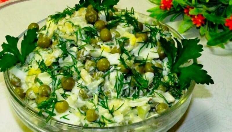 Самый быстрый салат из обычных продуктов
