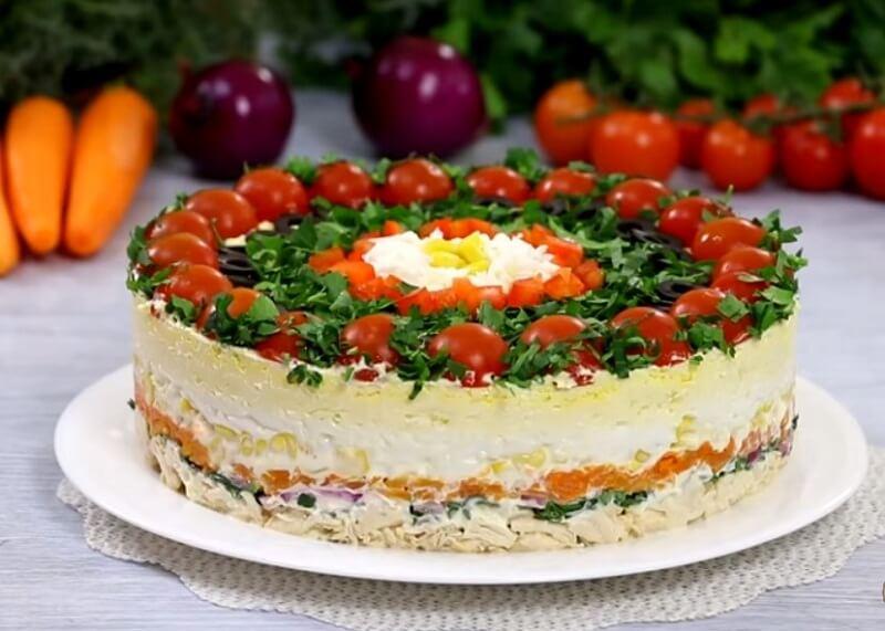 Слоеный салат на праздничный стол! «Застольный гость»