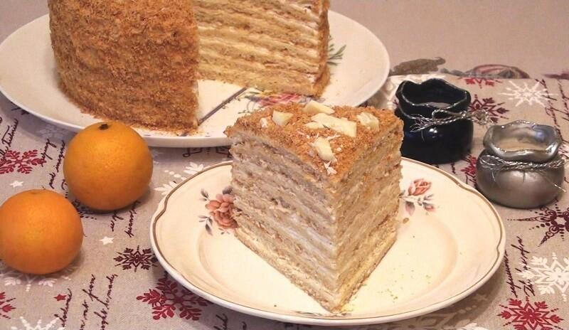 Слоеный творожный торт со сливочным кремом