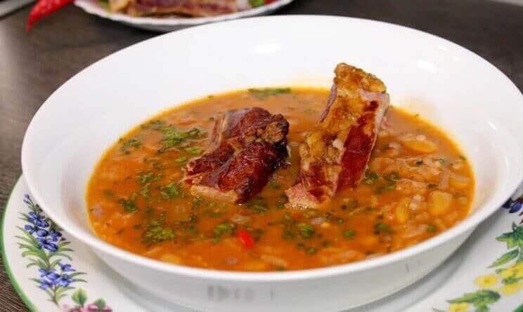 Суп с рисом и свиными ребрышками