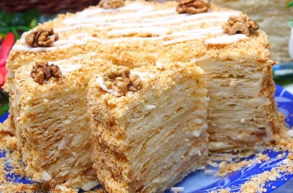 Торт «Наполеон» с кремом «Пломбир»