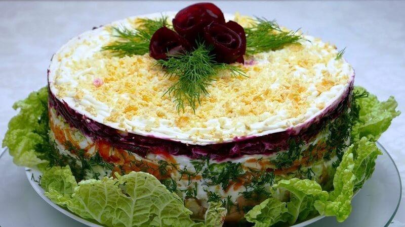Торт-салат «Селедка под шубой по-Пекински»