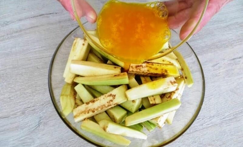 Удивительно вкусная овощная закуска с баклажанами