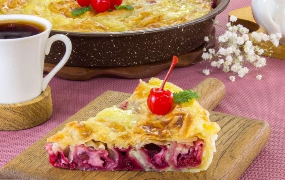 Вкуснейший пирог с вишней из нежного теста фило
