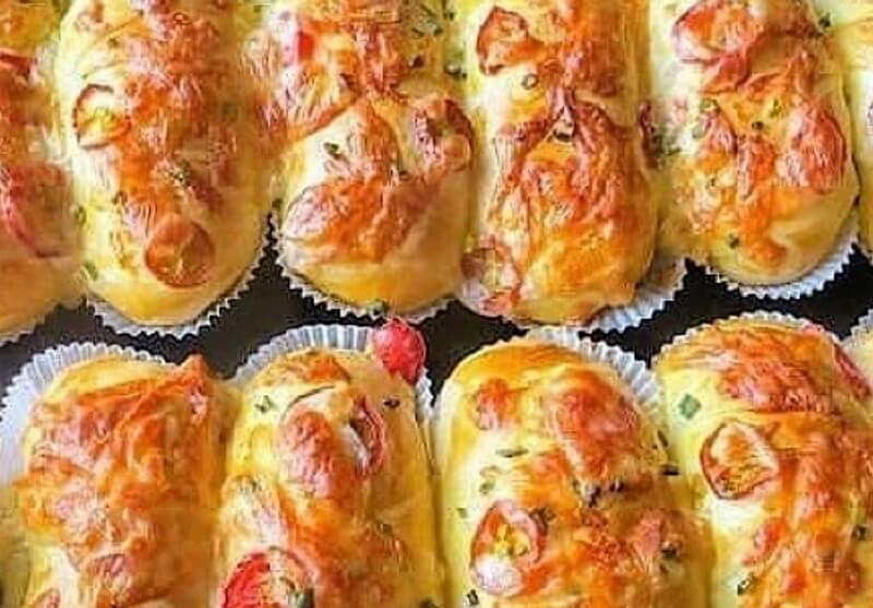 Вкусные аппетитные булочки с сырным ароматом
