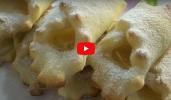 Домашнее творожное печенье без яиц и масла - настоящая находка! Вкусное, рассыпчатое с яблочным ароматом… Пальчики оближешь!