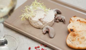 Домашний паштет из мяса кролика по-французски