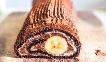 Домашний шоколадный рулет с бананом за 15 минут!